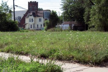 Empty Lot Near Meldrum and Kercheval, just west of the proposed Hantz Woodlands site. Photo by jbcurio on Flickr.