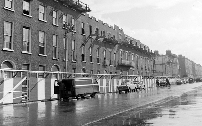 Fitzwilliam Street, Dublin 1965. Image courtesy of nli.ie.