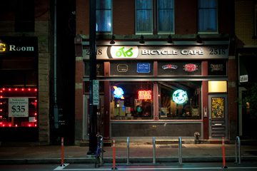 Cafe, Pittsburgh PA. Photo by John Cruz.